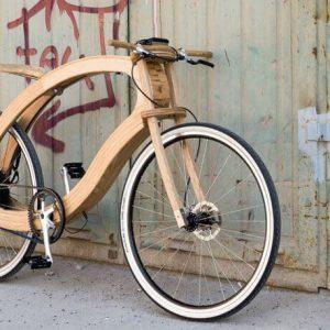 Bicicleta electrică din lemn