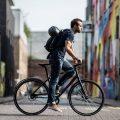 Bicicleta hibrida in oras