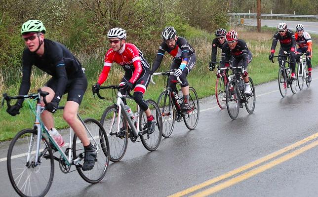 Biciclisti in cursă