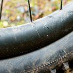 Cauciucul de la bicicletă spart