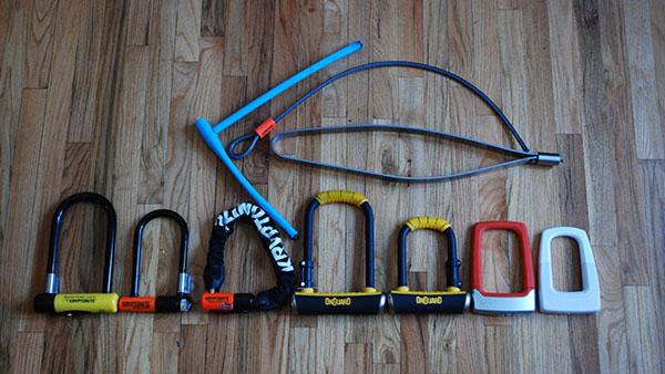 Multe lacate pentru bicicletă