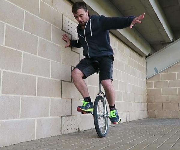 Cum să mergi pe monociclu